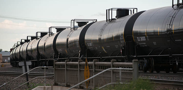 Oil 'Bomb Trains' Secretly Moving to West Coast | Article | EESI